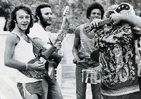 21- Guitarra Baiana