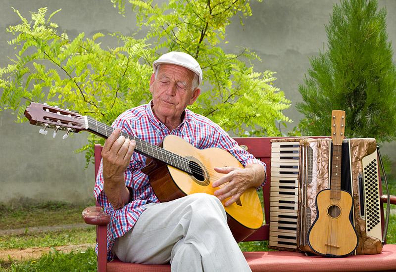 idoso-musicoterapia1