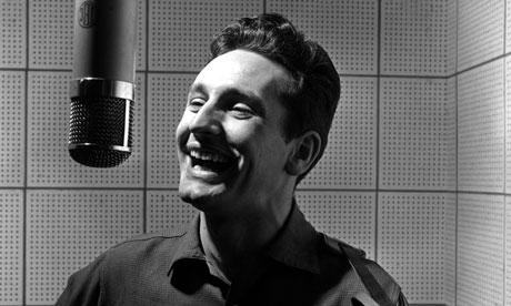 Lonnie  Donegan, que cantou o tema da Copa da Inglaterra em 1966